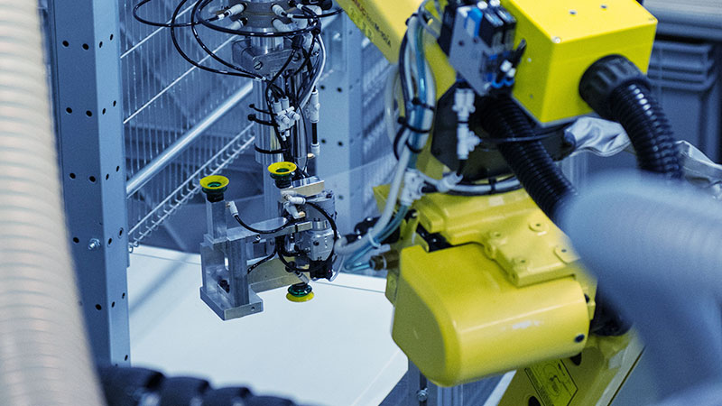 Muovisola Oy - Injection molding, automation - Plastic products manufacturing