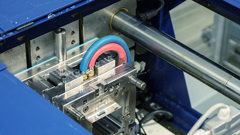 Muovisola Oy - Injection molding, Insert molding - Plastic products manufacturing